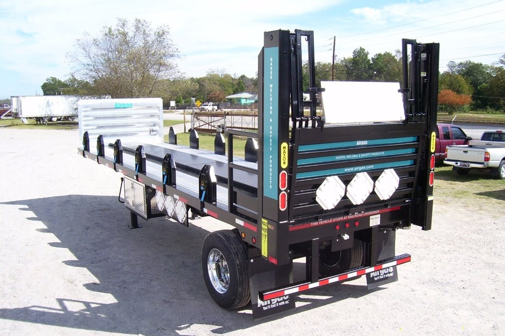 Liftgate equipped, this trailer is ideal for local delivery.